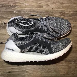 Adidas Womens Ultraboost X Oreo Shoes size 9
